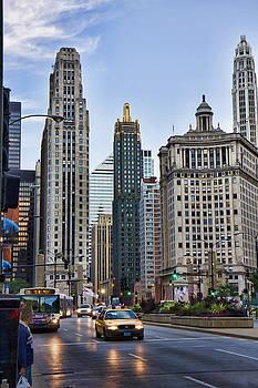Downtown Chicago traffic by Paul Bartoszek