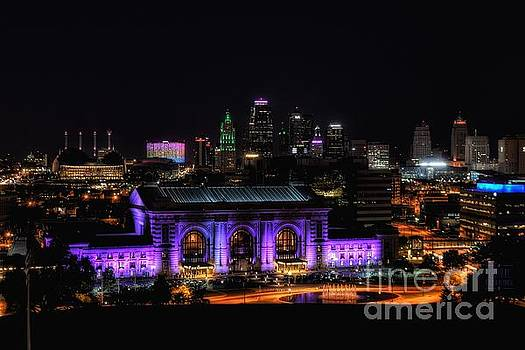 Downtown Kansas City  by Lisa Plymell