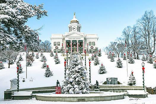 Downtown Sylva Courthouse Christmas 2016 by Matthew Turlington