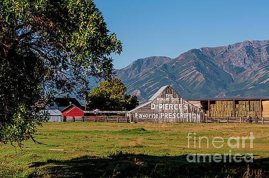 Dr Pierces Barn - Logan - Utah by Gary Whitton