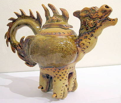 Dragon Teapot on wheels by Chere Force