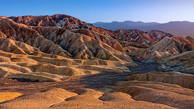 Dryness of the desert by Yves Keroack
