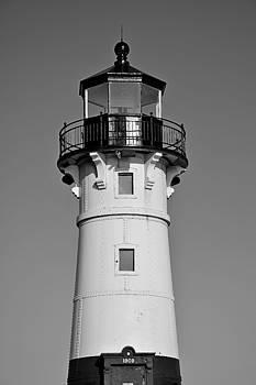 Robert Meyers-Lussier - Duluth Harbor North Breakwater Lighthouse 2