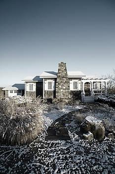 Dune Road Cottage by Robert Seifert