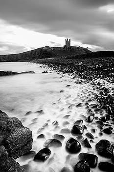 Dunstanburgh castle coastline by Kelvin Trundle