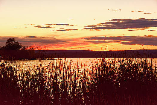 dusk on Lake Superior by Peter Ponzio