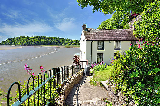 Dylan Thomas Boathouse 4 by Phil Fitzsimmons