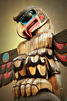 Peggy Collins - Eagle Totem Pole - Freedom of Spirit