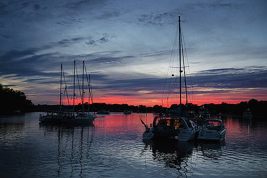 Eagles Cove Sunset by Richard Macquade