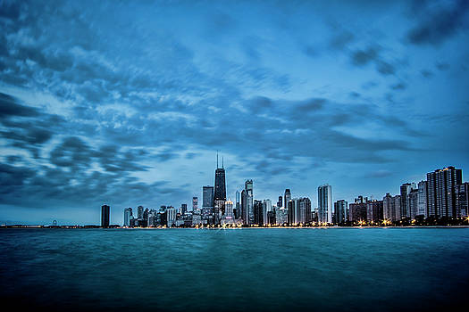 Early morning blue skies on Chicago's Lakefront by Sven Brogren