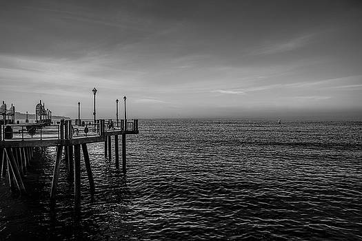 Early Morning redondo by Mike-Hope by Michael Hope