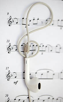 Earphone And Music Note by Azad Pirayandeh