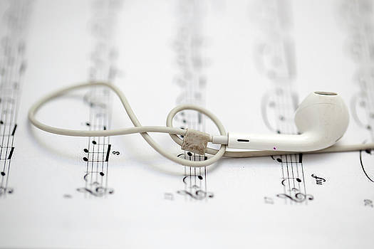 Earphone And Symphony Note by Azad Pirayandeh