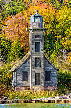 East Channel Lighthouse by Lonnie Paulson