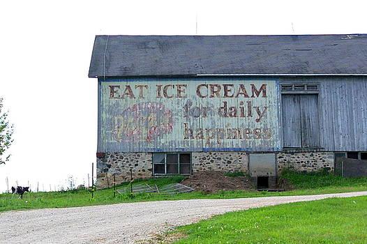 Eat Ice Cream 1 by Jan Scholke