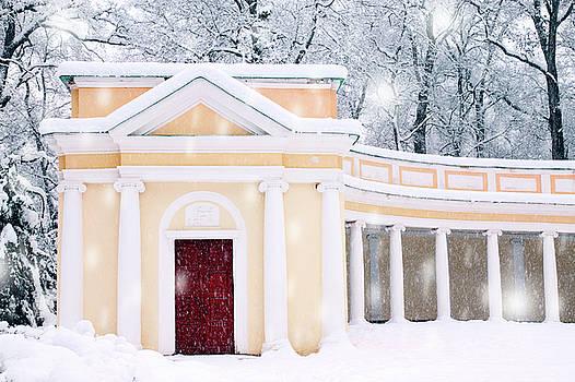 Echo Colonnade by Iuliia Malivanchuk by Iuliia Malivanchuk