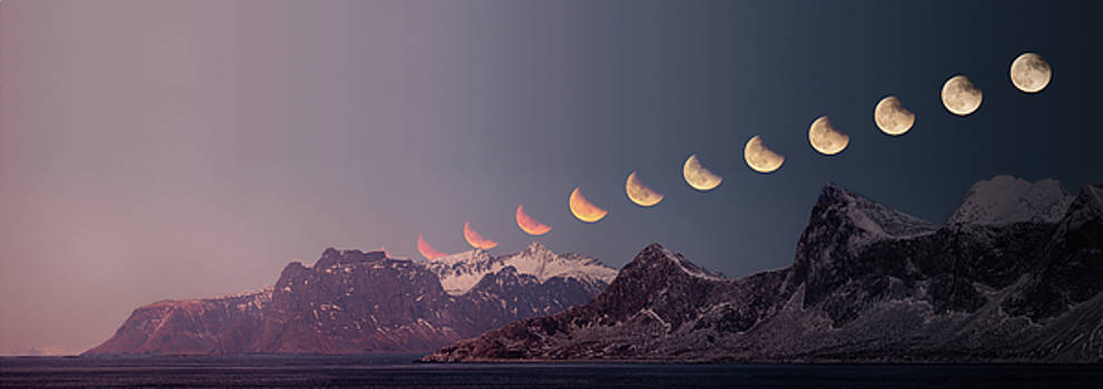Eclipse panorama by Alex Conu