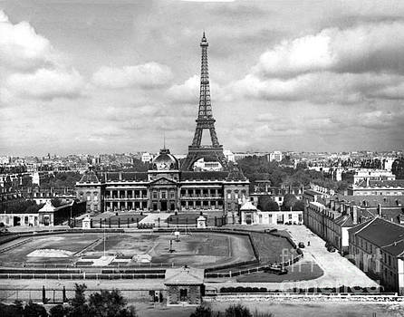 California Views Mr Pat Hathaway Archives - Ecole de Guerre   Eiffel Tower, Paris, France ,Circa 1948