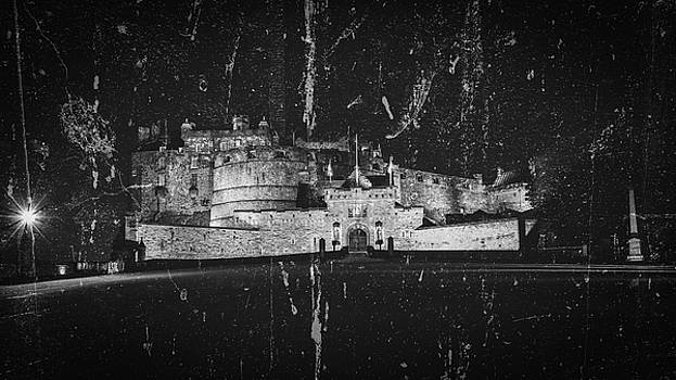 Jacek Wojnarowski - Edinburgh Castle by Night Fine Art A