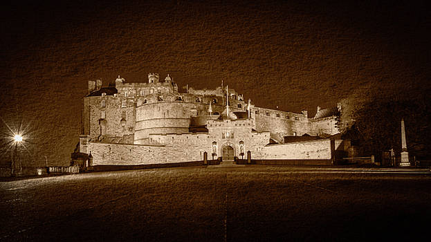 Jacek Wojnarowski - Edinburgh Castle by Night Fine Art C
