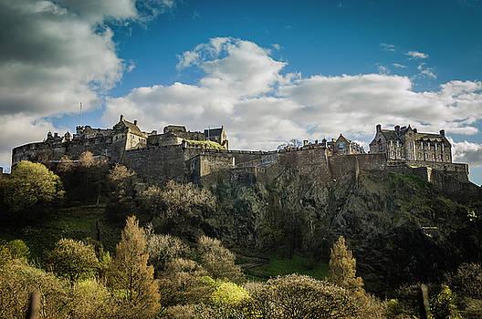 Edinburgh Castle on a sunny day by Anna Wisniewska