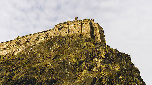 Jacek Wojnarowski - Edinburgh Castle On Top Of The Cliff