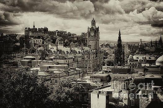 Edinburgh in Scotland by Jeremy Lavender Photography