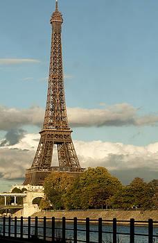 Eiffel 2588 by Charles  Ridgway