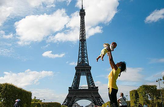 Eiffel Family by Freepassenger By Ozzy CG