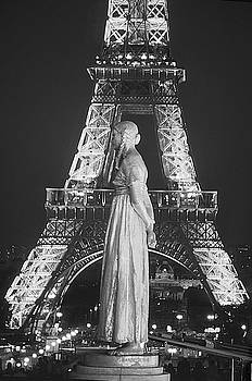 Eiffel tower by Kamala Saraswathi