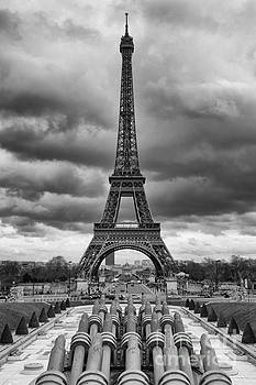 Eiffel tower in Paris by Isabel Poulin