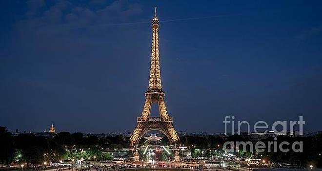 Eiffel Tower by Mats Bjoerklund