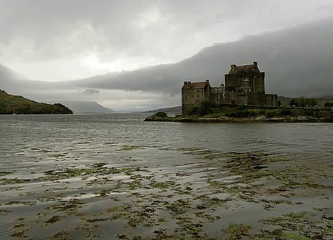 Eilean Donan Castle by Azthet Photography