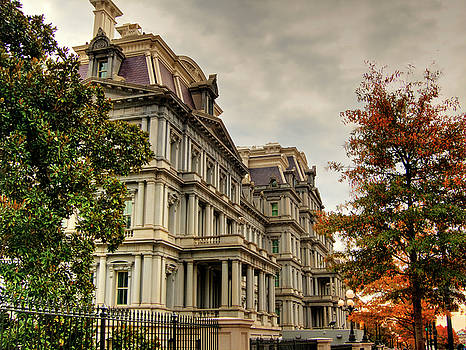 Eisenhower Building by Kevin Hill