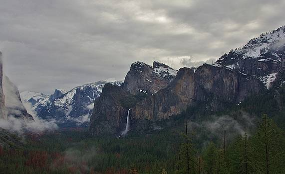El Capitan From Artist Point G by Phyllis Spoor