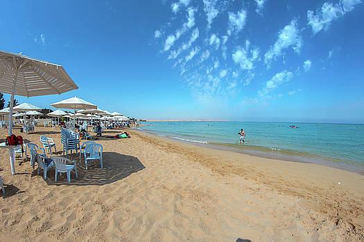 El Ein El Sokhna Beach by Ehab Amin