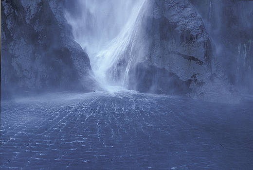 Sandra Bronstein - Electric Water - Milford Sound