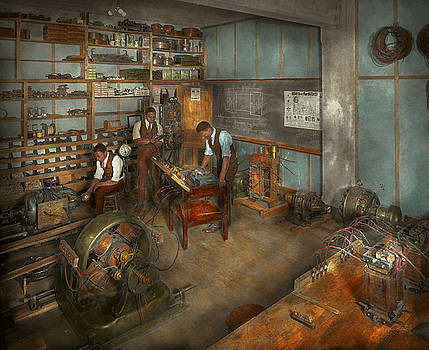 Mike Savad - Electrician - The Electrical Engineering course - 1915