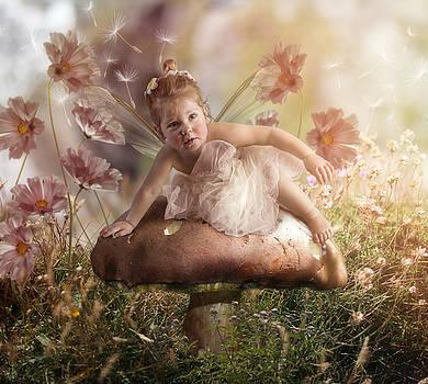 Elf baby II by Cindy Grundsten