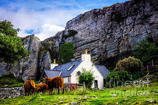 Elgol Cottage, Skye by Andy Beattie Photography