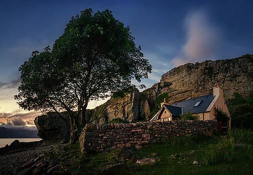 Elgol Cottage by Swen Stroop