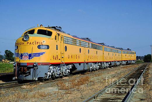 EMD E9A 949, Union Pacific F-Unit, Trainset, A-B-A by Wernher Krutein