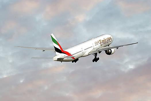 Emirates Boeing 777-36N by Nichola Denny