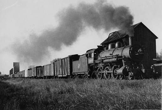 Chicago and North Western Historical Society - Engine on the Marshall Wabasso Sleepy Eye Route