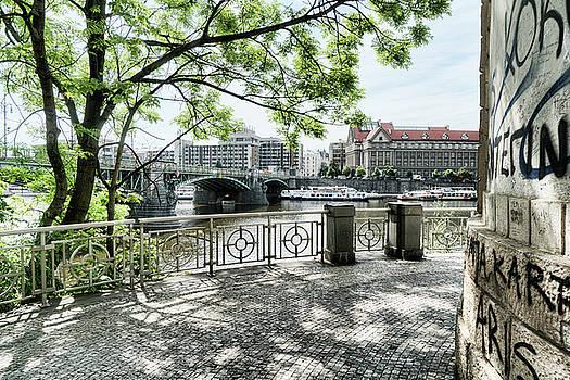 Sharon Popek - Entry to Prague