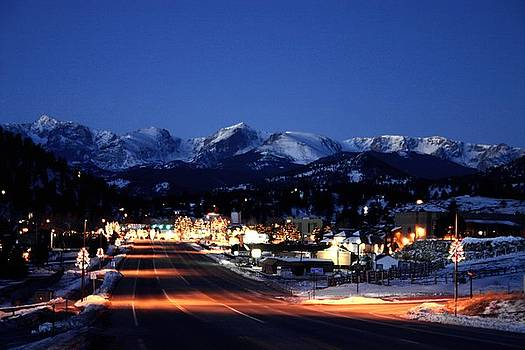Estes at Dawn by Perspective Imagery