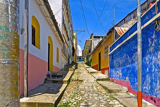 Estrada Flores, Guatemala by Marius Sipa
