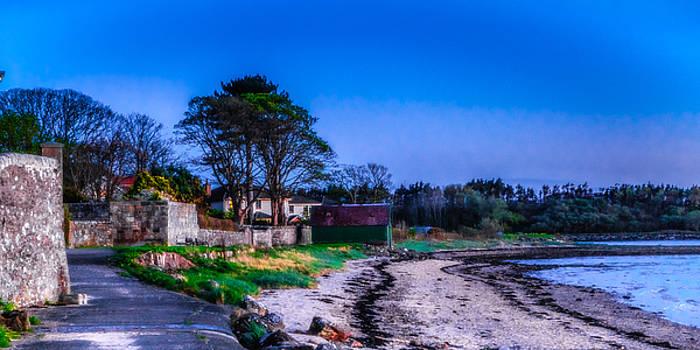 Evening At Beach Walk Fairlie by Tylie Duff