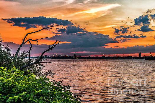 Nick Zelinsky - Evening Sky on the Delaware River