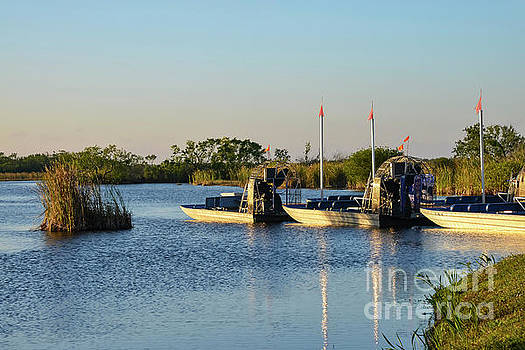 Bob Phillips - Everglades Airboats
